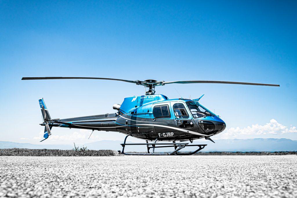 Initiation flights - Airbus AS350 - Mont Blanc Hélicoptère Lyon